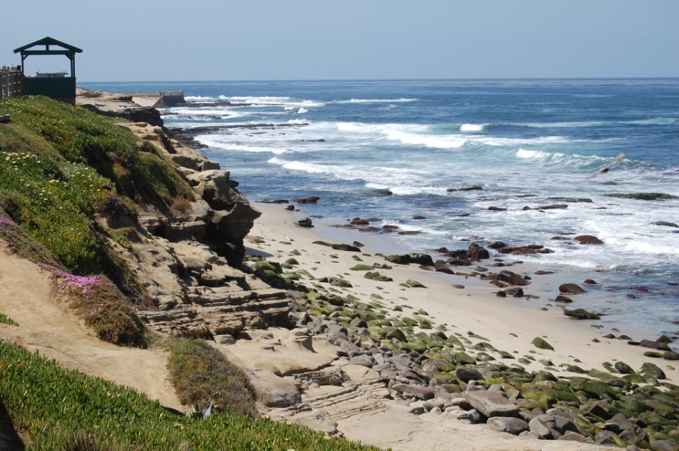 looking-south-at-la-jolla-cove-park